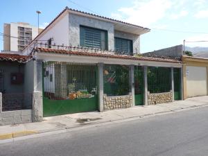 Casa En Ventaen Turmero, Zona Centro, Venezuela, VE RAH: 13-949