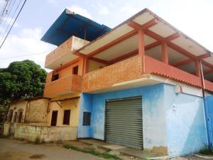 Casa En Ventaen Cua, Centro, Venezuela, VE RAH: 13-4328