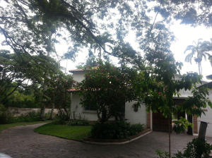 Casa En Ventaen Caracas, Country Club, Venezuela, VE RAH: 14-5699