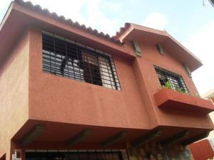 Casa En Ventaen Caracas, Santa Eduvigis, Venezuela, VE RAH: 14-7305