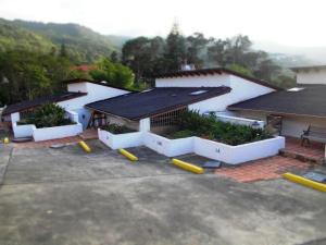 Townhouse En Ventaen El Junquito-Vargas, El Junko Country Club, Venezuela, VE RAH: 14-9044