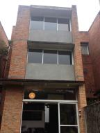 Townhouse En Ventaen Caracas, Los Guayabitos, Venezuela, VE RAH: 14-10301