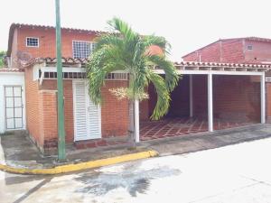 Townhouse En Ventaen Guatire, El Castillejo, Venezuela, VE RAH: 14-11040