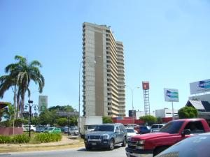 Apartamento En Ventaen Margarita, Avenida 4 De Mayo, Venezuela, VE RAH: 14-11166