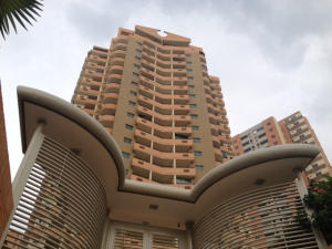 Apartamento En Ventaen Valencia, Las Chimeneas, Venezuela, VE RAH: 14-11964