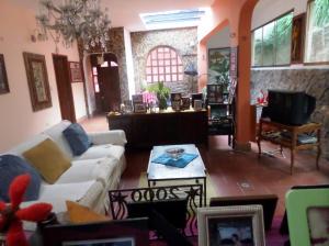 Casa En Ventaen San Antonio De Los Altos, La Suiza, Venezuela, VE RAH: 14-12033