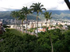 Terreno En Ventaen Caracas, Colinas De Los Chaguaramos, Venezuela, VE RAH: 14-12810