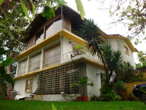 Casa En Ventaen Caracas, Los Guayabitos, Venezuela, VE RAH: 14-13038