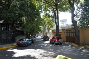 Terreno En Ventaen Caracas, El Bosque, Venezuela, VE RAH: 15-856