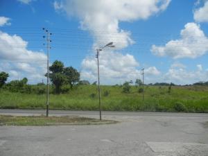 Terreno En Ventaen Caucagua, Av General Miguel Acevedo, Venezuela, VE RAH: 15-1086