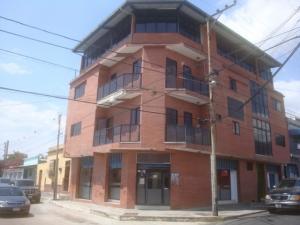 Edificio En Ventaen San Felipe, San Felipe, Venezuela, VE RAH: 15-2536
