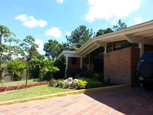 Casa En Ventaen Caracas, Lomas Del Club Hipico, Venezuela, VE RAH: 15-3144