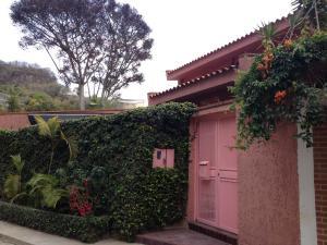Casa En Ventaen Caracas, Colinas Del Tamanaco, Venezuela, VE RAH: 15-4264