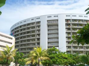 Apartamento En Ventaen Higuerote, Agua Sal, Venezuela, VE RAH: 15-3865