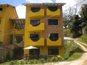 Townhouse En Ventaen Caracas, El Hatillo, Venezuela, VE RAH: 15-3886