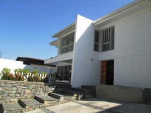 Casa En Ventaen Caracas, El Cafetal, Venezuela, VE RAH: 15-3637