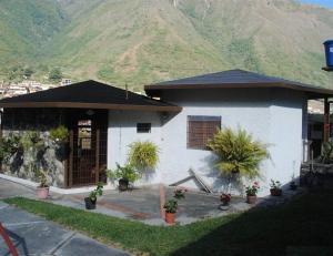Casa En Ventaen La Puerta, Via La Lagunita, Venezuela, VE RAH: 14-2769
