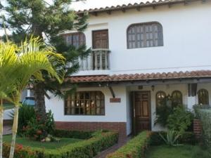 Casa En Ventaen Margarita, Sector San Lorenzo, Venezuela, VE RAH: 15-5058