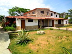 Local Comercial En Ventaen Higuerote, Santa Isabel Sotillo, Venezuela, VE RAH: 15-6042
