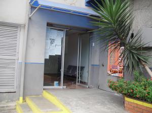 Oficina En Ventaen Los Teques, Municipio Guaicaipuro, Venezuela, VE RAH: 15-6908