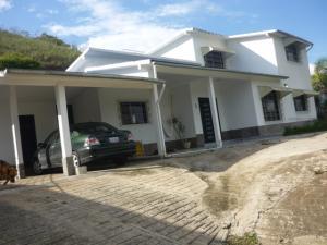 Casa En Ventaen Caracas, Karimao Country, Venezuela, VE RAH: 15-9338