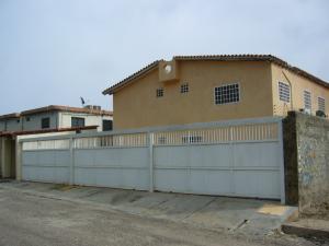 Townhouse En Ventaen Margarita, El Paraiso, Venezuela, VE RAH: 15-9742