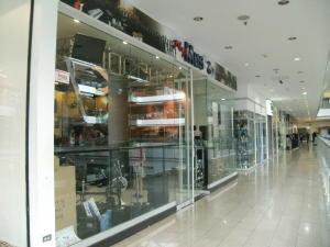 Local Comercial En Ventaen Caracas, Los Dos Caminos, Venezuela, VE RAH: 15-9831