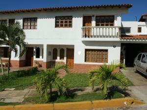Casa En Ventaen Margarita, Sector San Lorenzo, Venezuela, VE RAH: 15-10491
