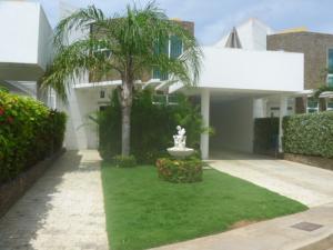Casa En Ventaen Margarita, Los Robles, Venezuela, VE RAH: 15-10396