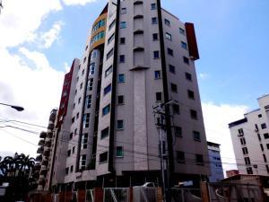 Apartamento En Ventaen Maracay, La Soledad, Venezuela, VE RAH: 15-10817