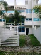 Townhouse En Ventaen Charallave, Paso Real, Venezuela, VE RAH: 15-11768
