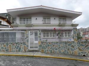 Casa En Ventaen San Antonio De Los Altos, Pomarosa, Venezuela, VE RAH: 15-12267