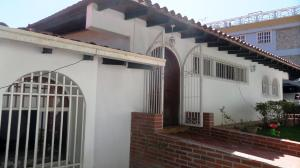 Casa En Ventaen Caracas, Santa Fe Norte, Venezuela, VE RAH: 15-12365
