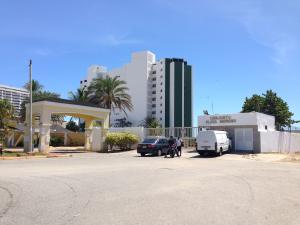 Apartamento En Ventaen Margarita, El Morro, Venezuela, VE RAH: 15-12745