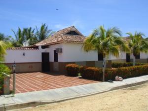 Townhouse En Ventaen Higuerote, Higuerote, Venezuela, VE RAH: 15-13081