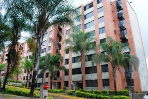 Apartamento En Ventaen Caracas, Los Naranjos Humboldt, Venezuela, VE RAH: 15-13269