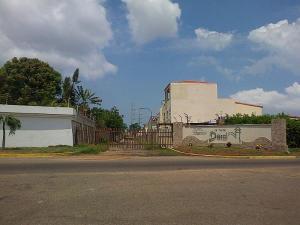 Terreno En Ventaen Maracaibo, Doral Norte, Venezuela, VE RAH: 15-14413