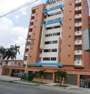 Apartamento En Ventaen Valencia, La Trigaleña, Venezuela, VE RAH: 15-15068