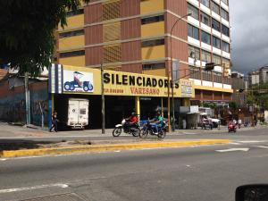Galpon - Deposito En Ventaen Caracas, Boleita Norte, Venezuela, VE RAH: 15-15704