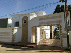 Casa En Ventaen Cabimas, 5Bocas, Venezuela, VE RAH: 15-16378