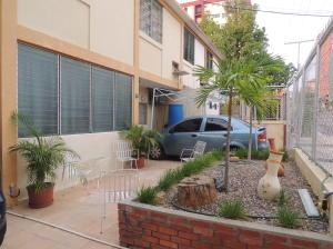 Casa En Ventaen Maracaibo, Santa Maria, Venezuela, VE RAH: 16-527