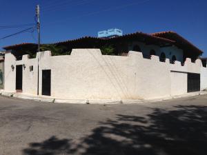 Casa En Ventaen Margarita, Los Robles, Venezuela, VE RAH: 16-1216