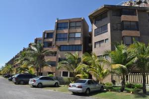 Apartamento En Ventaen Higuerote, Higuerote, Venezuela, VE RAH: 16-1299