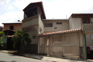 Casa En Ventaen Caracas, Santa Ines, Venezuela, VE RAH: 16-1520