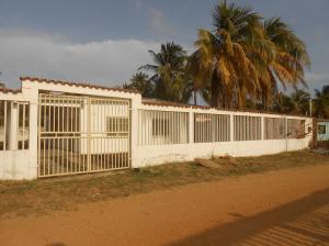 Casa En Ventaen Chichiriviche, Playa Norte, Venezuela, VE RAH: 16-1564