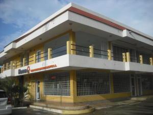 Local Comercial En Ventaen Maracaibo, Avenida Milagro Norte, Venezuela, VE RAH: 16-1569