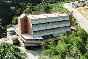 Oficina En Ventaen Caracas, Lomas Del Sol, Venezuela, VE RAH: 16-1595