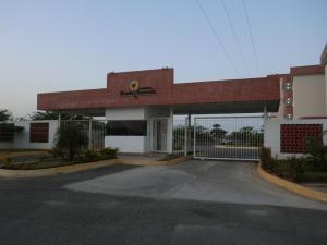 Apartamento En Ventaen Higuerote, Higuerote, Venezuela, VE RAH: 16-1650