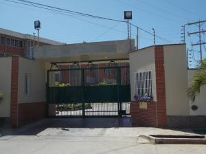 Apartamento En Ventaen Higuerote, La Costanera, Venezuela, VE RAH: 16-2920