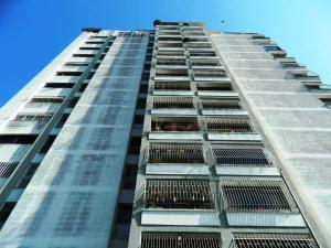 Apartamento En Ventaen Los Teques, Municipio Guaicaipuro, Venezuela, VE RAH: 16-2326